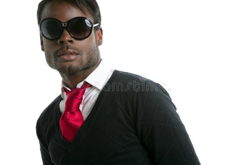 Retrato considerável novo do homem do americano africano imagem de stock royalty free