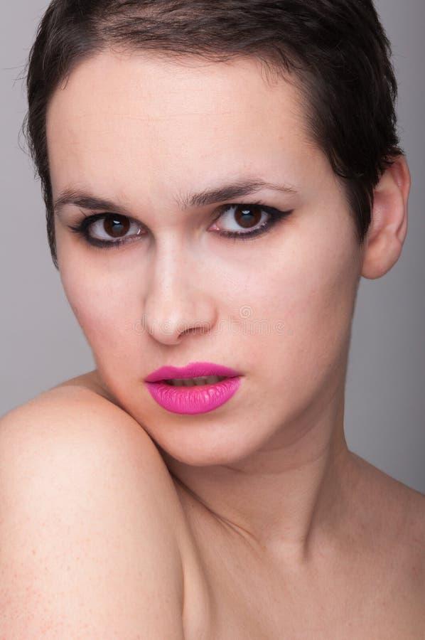 Retrato da beleza da fêmea atrativa imagem de stock royalty free