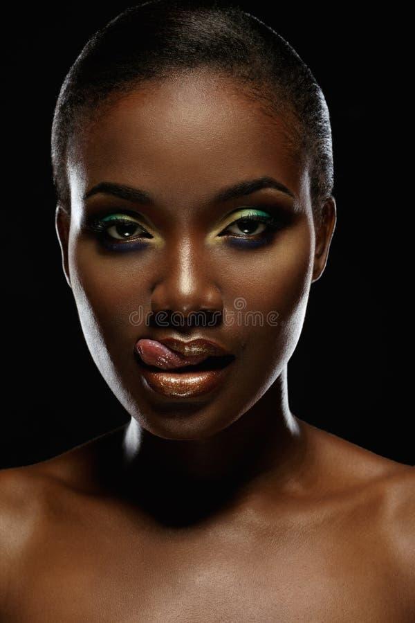 Retrato da beleza da menina africana considerável foto de stock royalty free