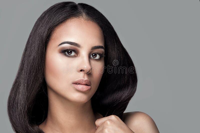Retrato da beleza da menina natural africana foto de stock royalty free