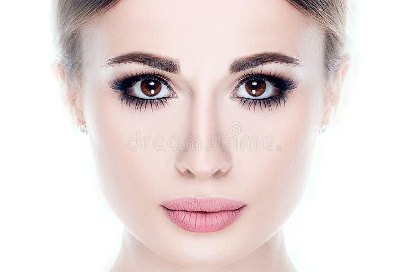Retrato da beleza da menina natural nova imagens de stock