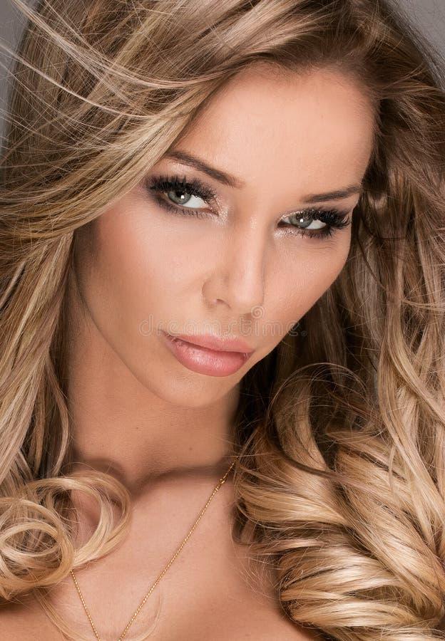 Retrato da beleza da menina 'sexy' imagens de stock