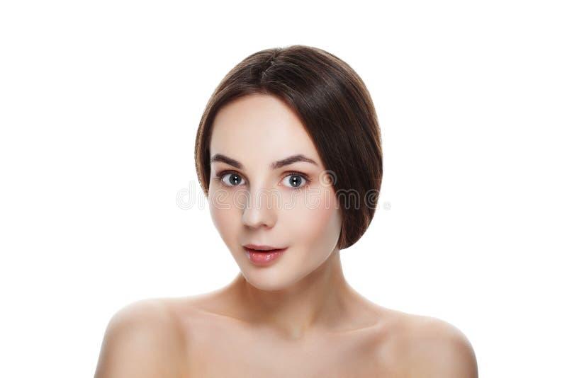 Retrato da beleza da menina SURPREENDIDA bonita com composição natural Seja fotografia de stock royalty free