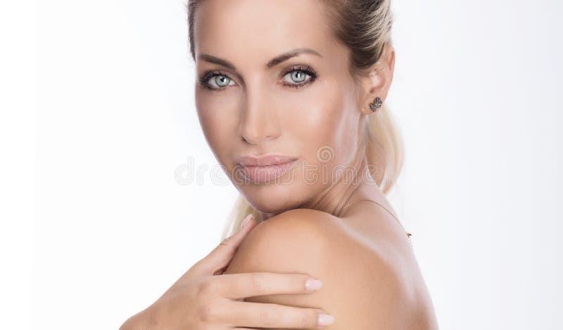 Retrato da beleza da senhora natural fotografia de stock