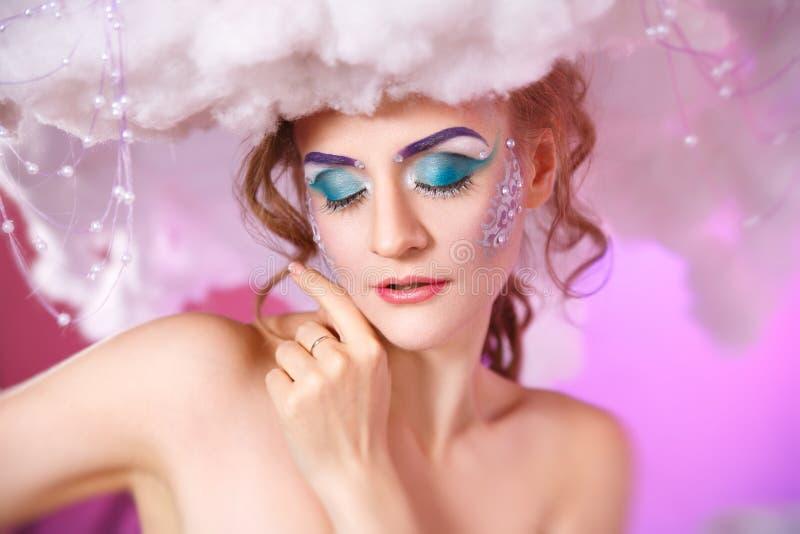 Retrato da beleza de uma composição brilhante da mulher fotografia de stock royalty free