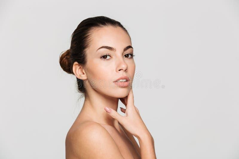 Retrato da beleza de uma meia mulher despida bonita nova fotos de stock