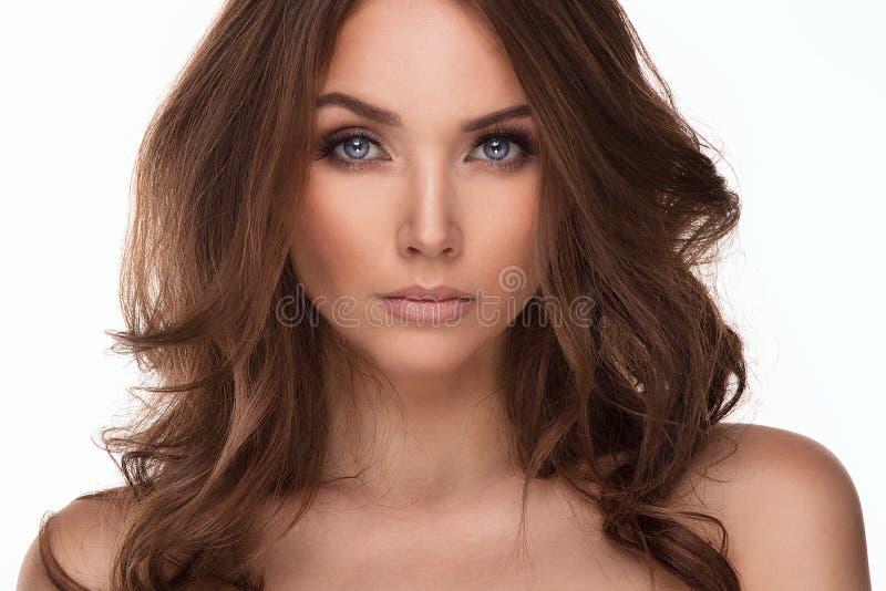 Retrato da beleza da jovem mulher natural imagens de stock