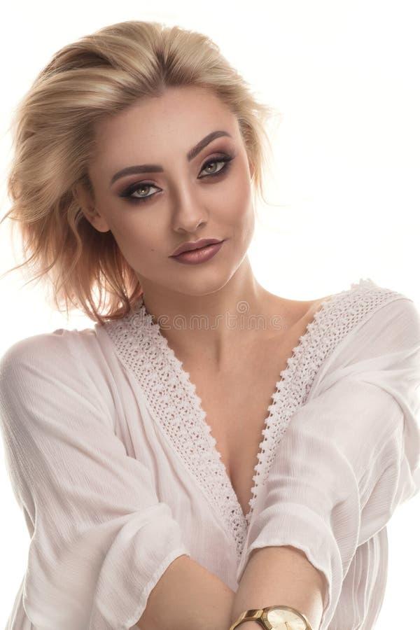 Retrato da beleza da mulher sensual loura fotografia de stock