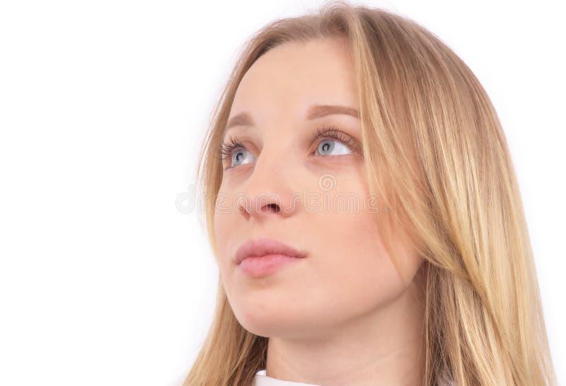Retrato da cara da beleza da mulher isolado no branco com pele saudável fotografia de stock