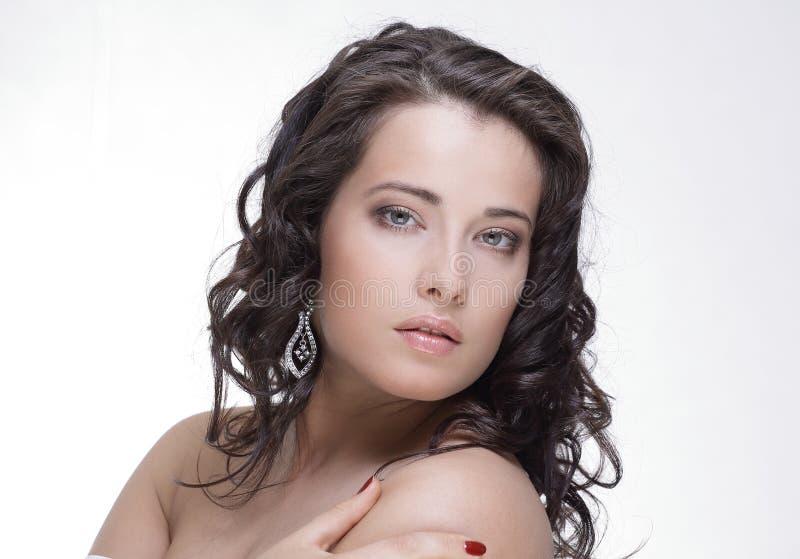 Retrato da cara da beleza da mulher isolado no branco com pele saudável fotografia de stock royalty free