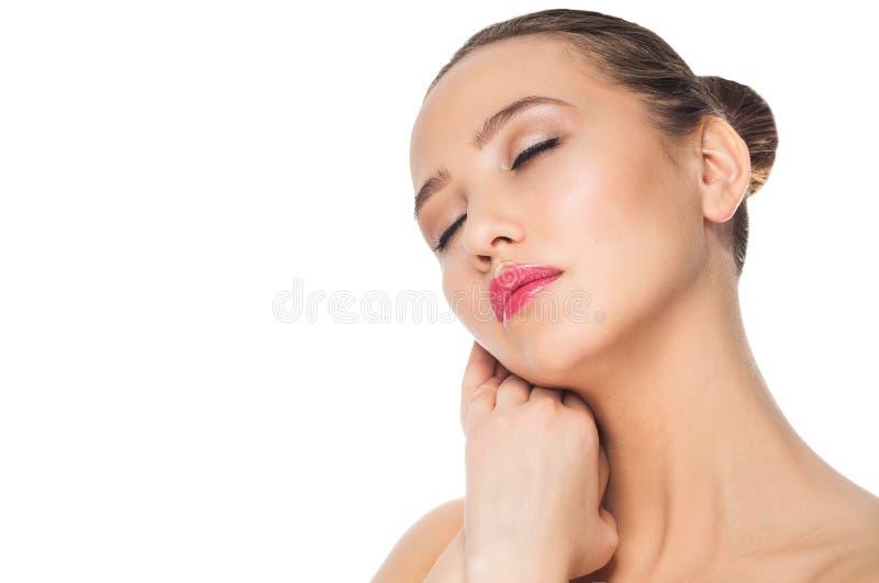 Retrato da cara da beleza da mulher isolado no branco com pele saudável fotos de stock royalty free