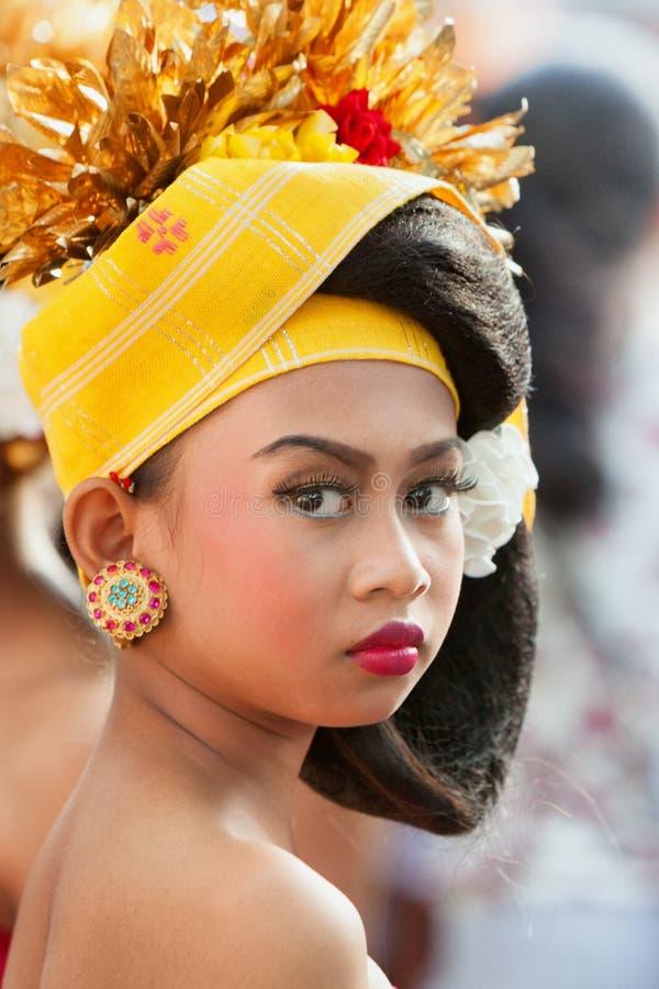 Retrato da cara da menina do dançarino do balinese imagem de stock