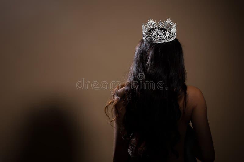 Retrato da coroa da senhorita Pageant Beauty Contest fotografia de stock royalty free