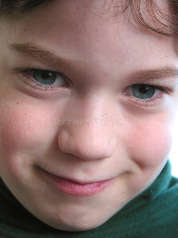 Download Retrato Da Criança Do Menino Imagem de Stock - Imagem de azul, sorriso: 539273