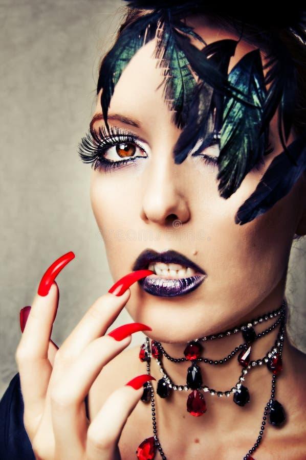 Retrato da forma do vampiro fêmea imagens de stock royalty free
