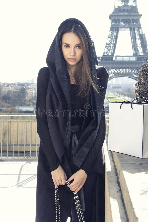Retrato da forma da mulher bonita nova imagens de stock royalty free