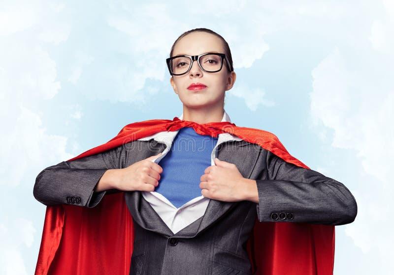 Retrato da heroína super da mulher de negócio imagem de stock