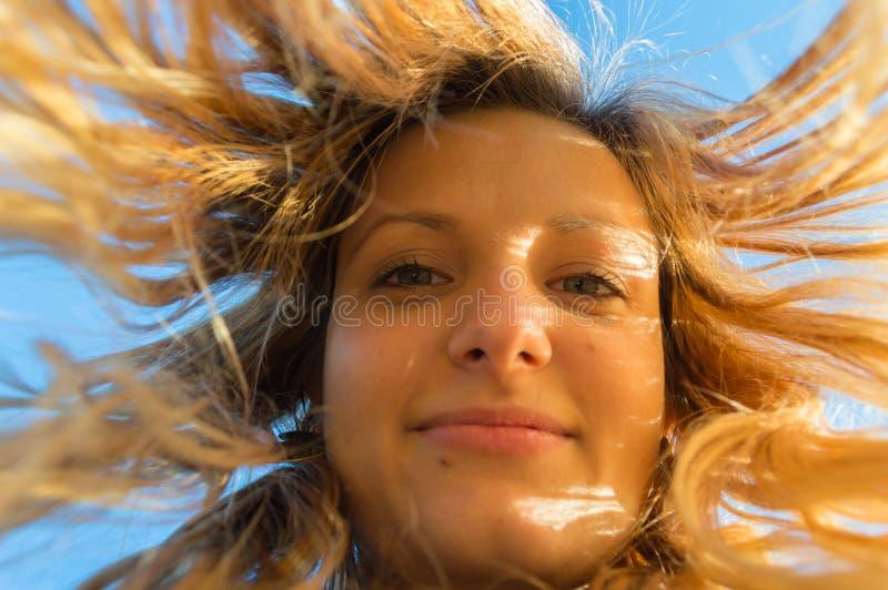 Retrato da jovem mulher fotografia de stock royalty free