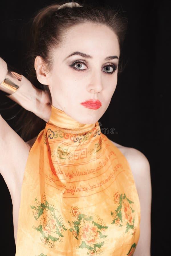 Retrato da jovem mulher bonita com cabelo louro longo foto de stock royalty free
