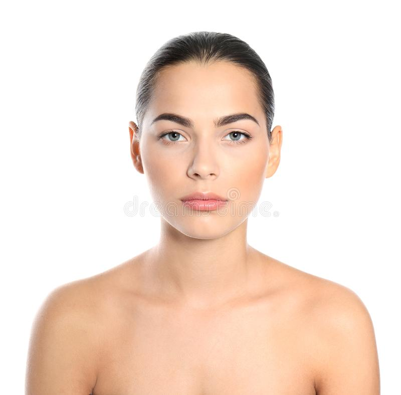 Retrato da jovem mulher bonita no fundo branco fotografia de stock