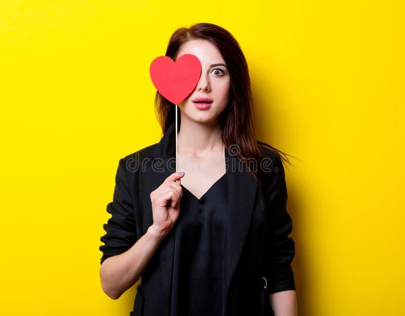 Retrato da jovem mulher com brinquedo imagens de stock