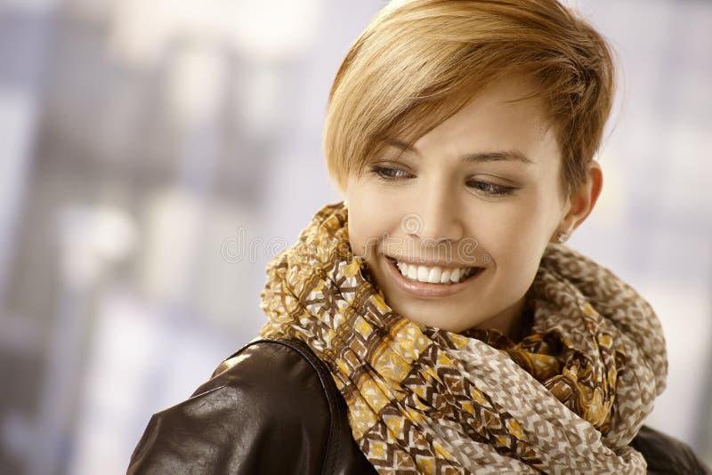Retrato da jovem mulher com lenço imagem de stock royalty free