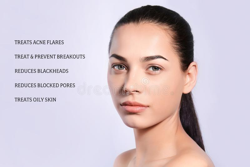 Retrato da jovem mulher com pele e lista limpas fotos de stock royalty free