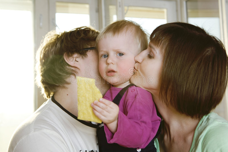Retrato da matriz, do pai louro e do bebê louro fotografia de stock royalty free