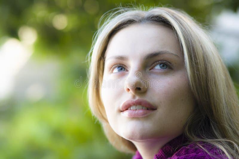 Retrato da menina adolescente fotografia de stock