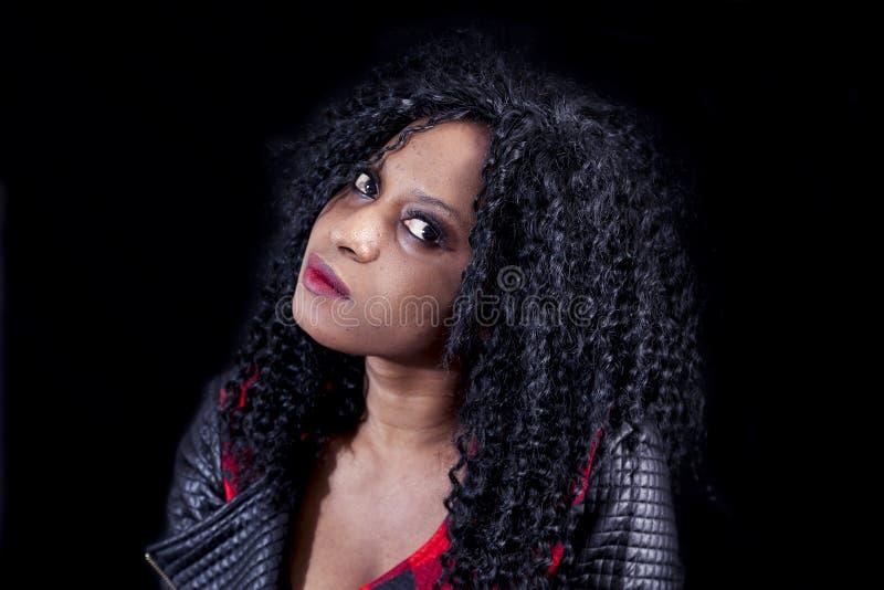 Download Retrato Da Menina Afro-americano Nova Bonita Foto de Stock - Imagem de atrativo, pessoa: 80101170