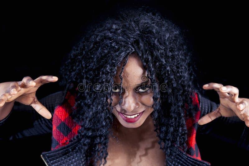 Download Retrato Da Menina Afro-americano Nova Bonita Imagem de Stock - Imagem de preto, face: 80101793