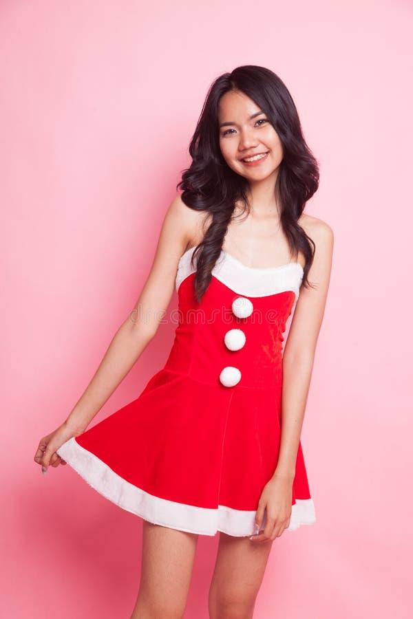 Retrato da menina asiática bonito de Santa Claus do Natal imagens de stock royalty free