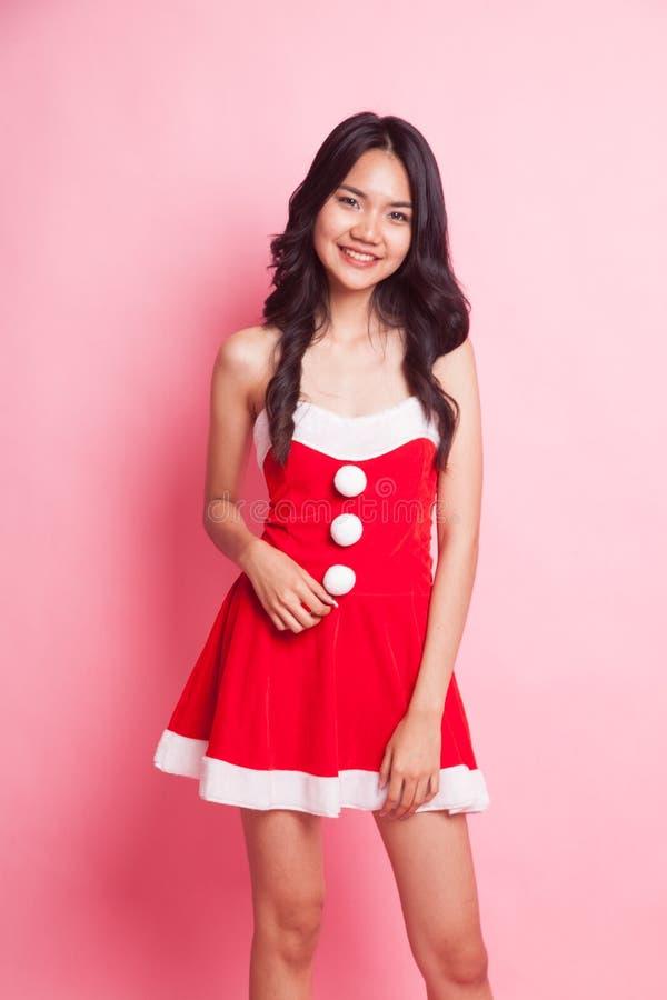 Retrato da menina asiática bonito de Santa Claus do Natal foto de stock royalty free