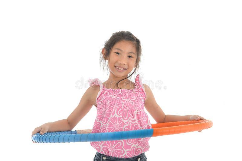 Retrato da menina asiática pequena feliz da criança fotos de stock