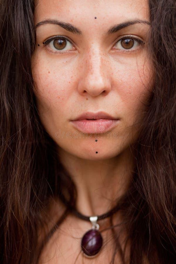 Retrato da menina da hippie fotografia de stock