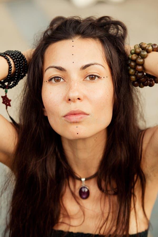 Retrato da menina da hippie foto de stock