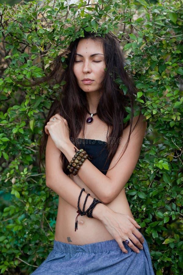 Retrato da menina da hippie imagem de stock
