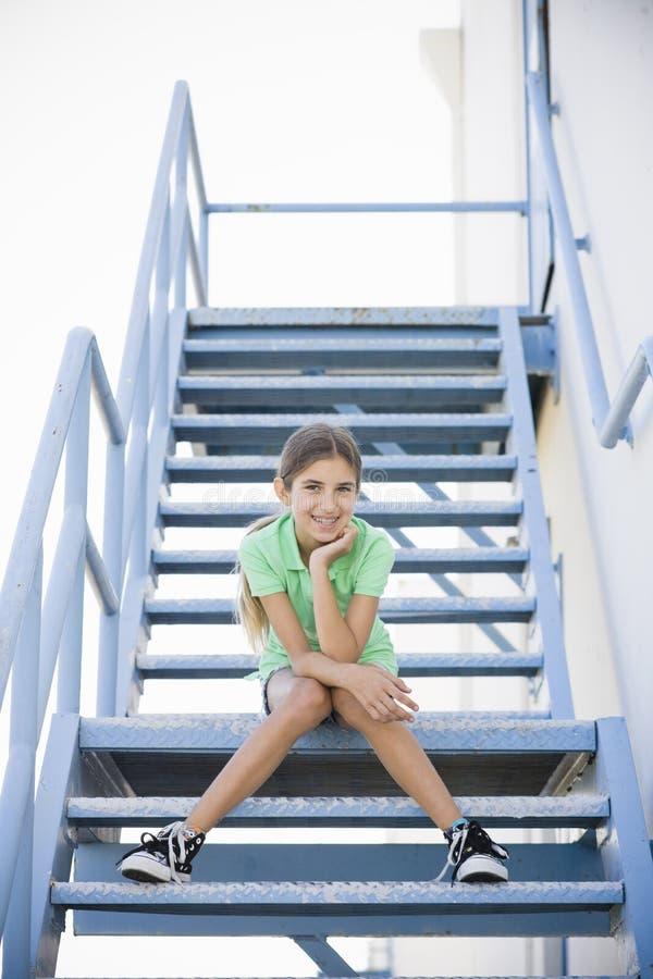 Retrato da menina de sorriso do Tween fotos de stock royalty free