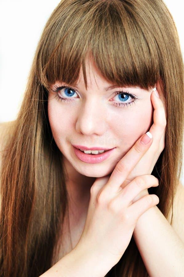 Retrato da menina encantadora de cabelos compridos foto de stock
