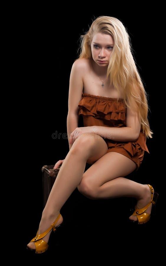 Retrato da menina loura bonita foto de stock royalty free