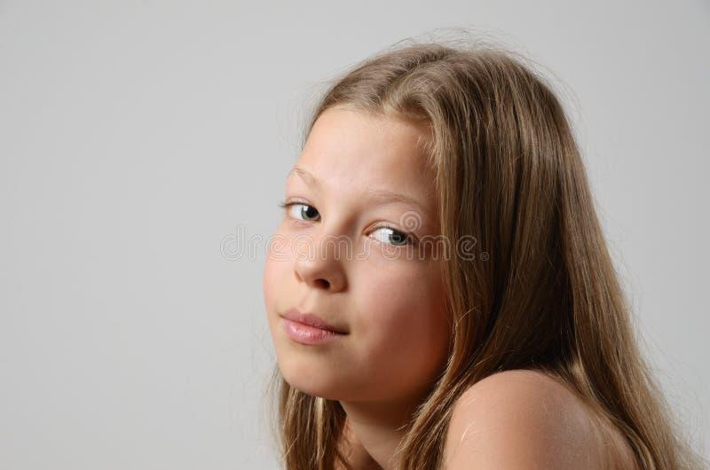 Retrato da menina sereno foto de stock royalty free