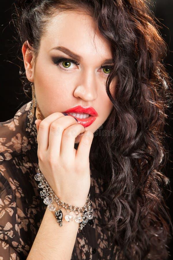Retrato da mulher à moda bonita imagens de stock