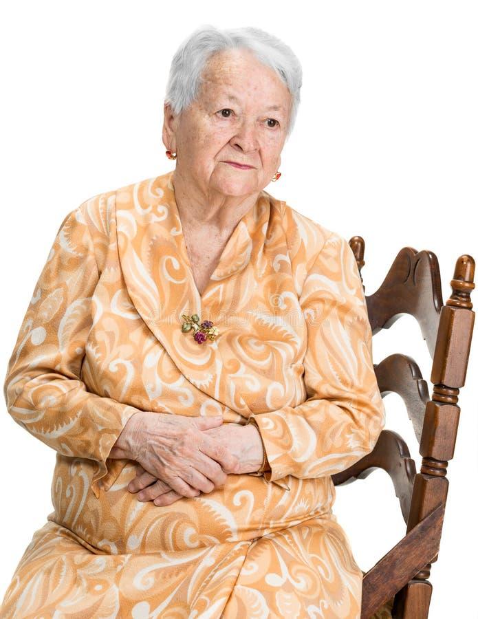 Retrato da mulher adulta pensativa imagens de stock