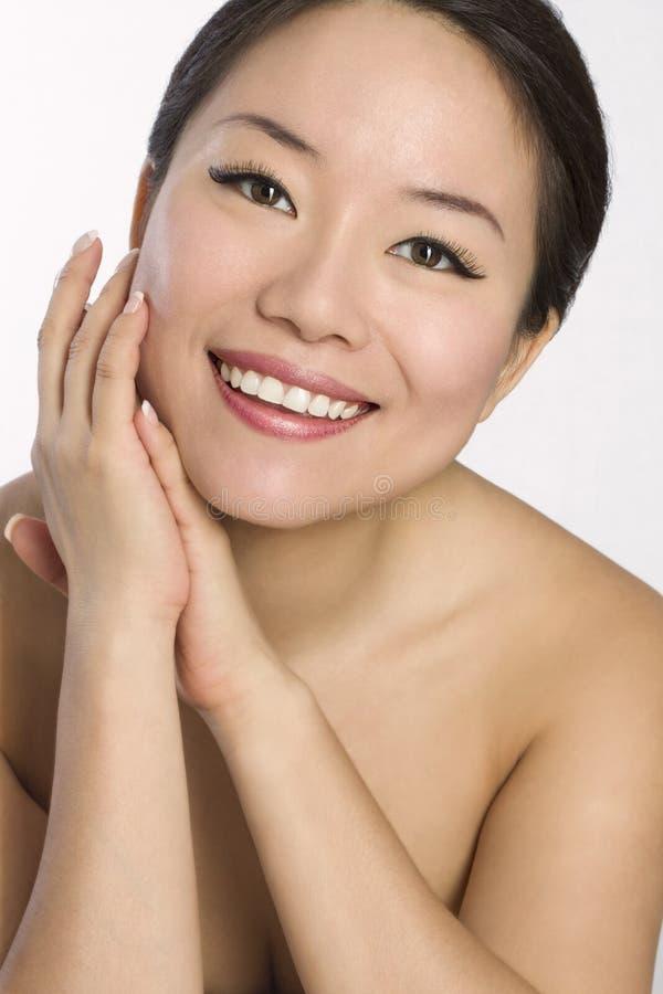 Retrato da mulher asiática nova e bonita. imagem de stock royalty free