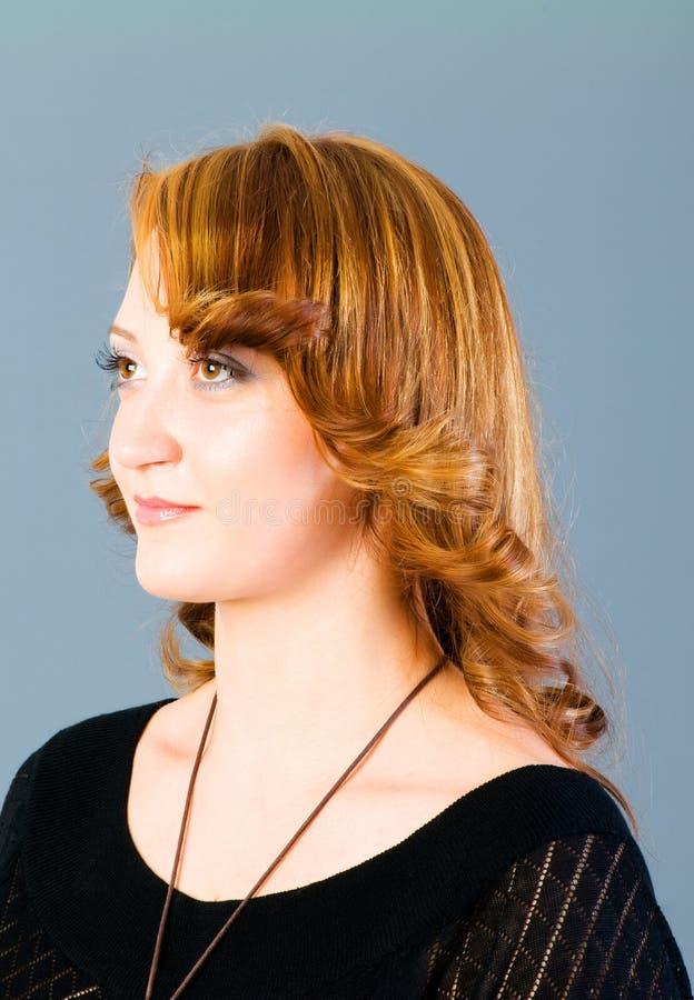 Download Retrato da mulher bonita imagem de stock. Imagem de atrativo - 12811431