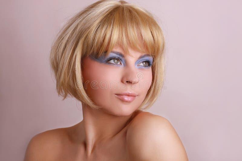 Retrato da mulher bonita atrativa imagem de stock royalty free