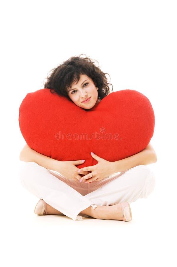 Retrato da mulher bonita com coração grande fotos de stock