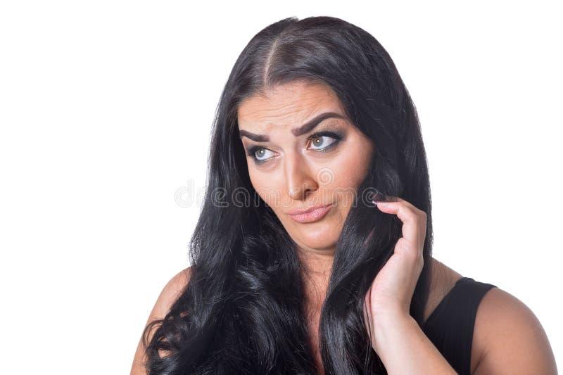 Retrato da mulher bonita no vestido preto isolado no fundo branco fotos de stock