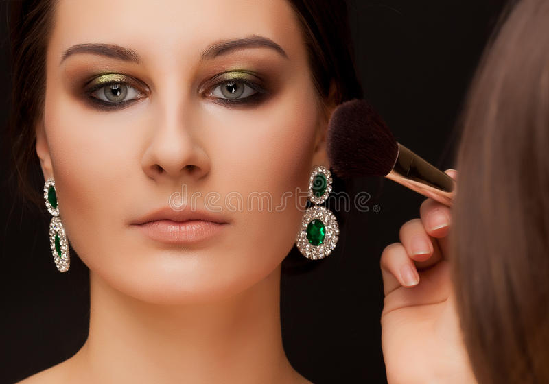 Retrato da mulher com composição e do artista de composição fotos de stock royalty free