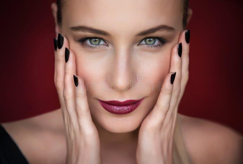 Retrato da mulher da forma imagem de stock royalty free